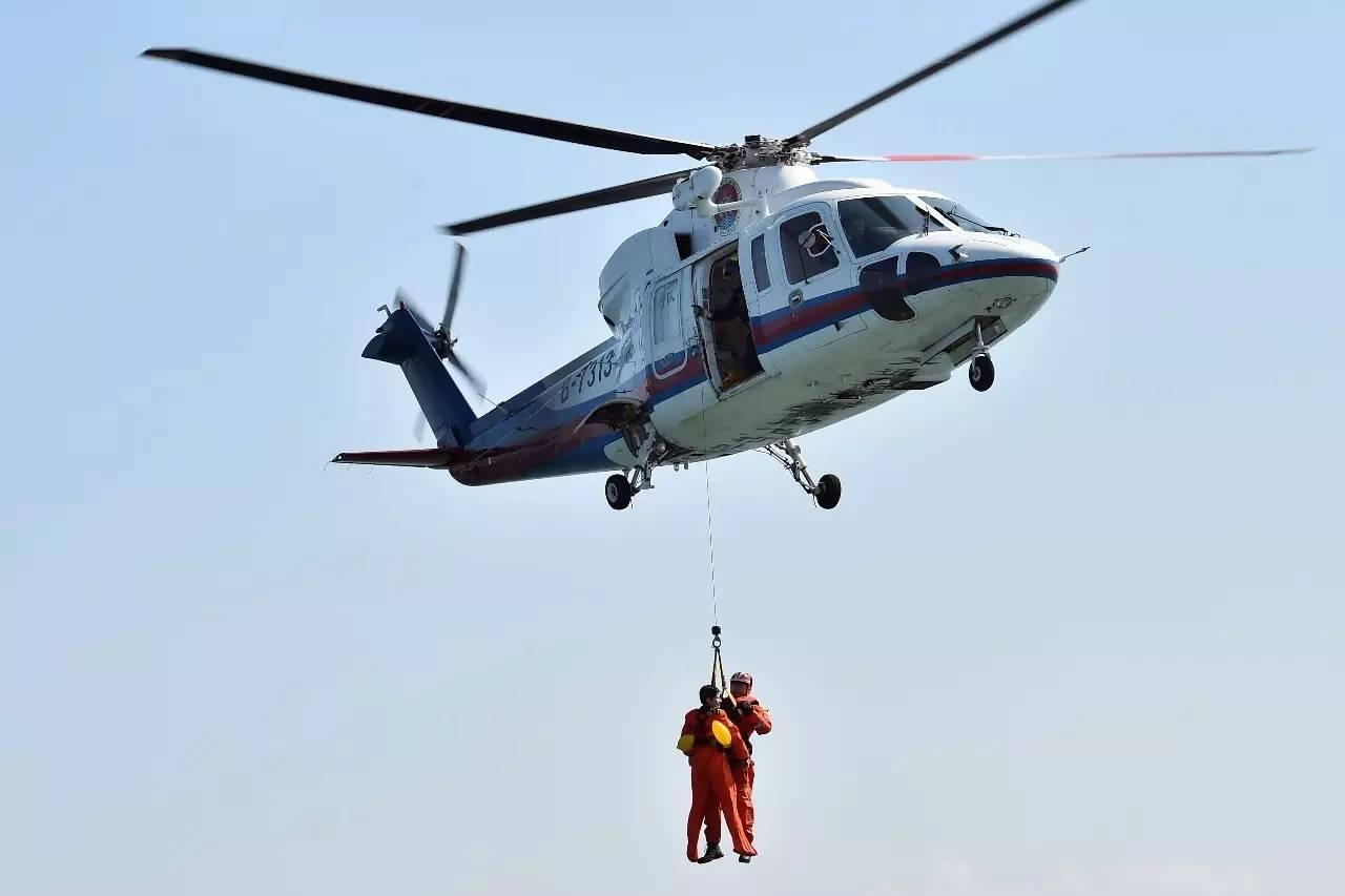 9亿美元的100架飞机合同,并同意在中国青岛建立一条直升机组装线.