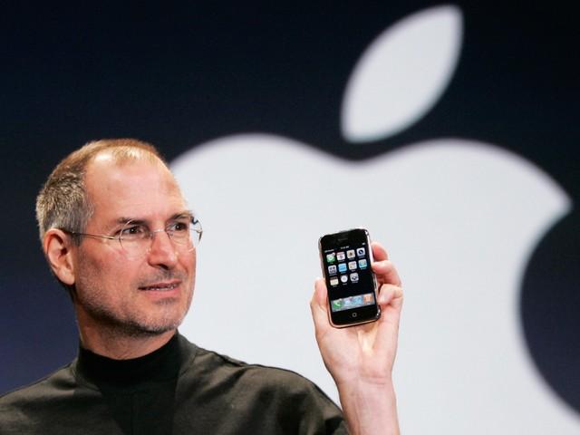 当年乔布斯向世人展示iPhone是何等震撼?