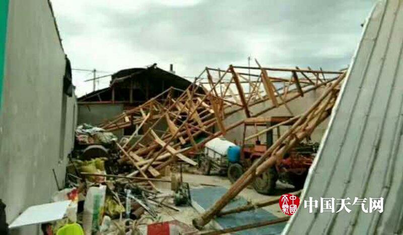 动图:吉林松原地区北部突现龙卷风