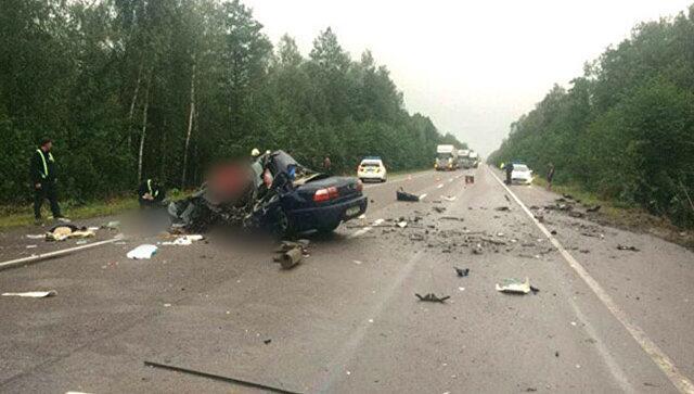 乌克兰罗夫诺州发生车祸  导致5人死亡