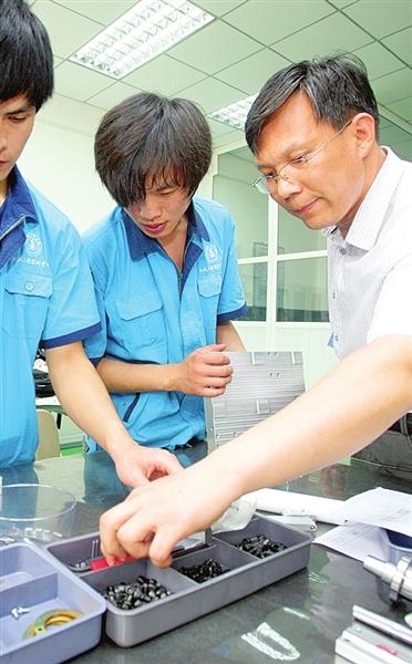 弘扬职业成就技精神文字──记天津工匠大cad怎么梦想竖向打图片