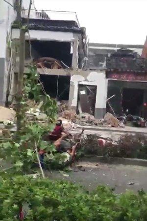 苏州一烧烤店液化气瓶泄漏引发爆炸致1死多伤