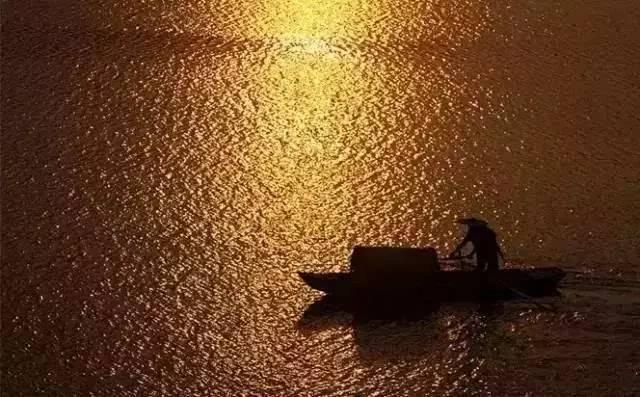 夕阳西下时,看渔樵江渚上……