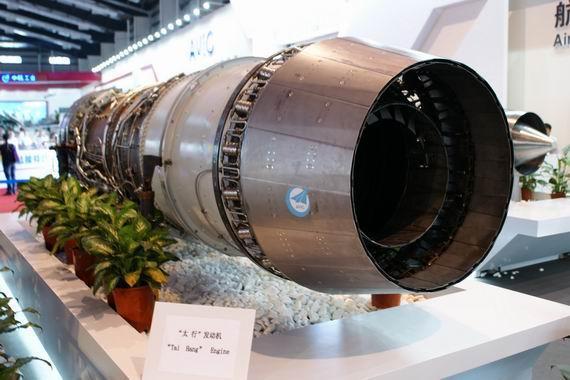 图为国产涡扇-10发动机