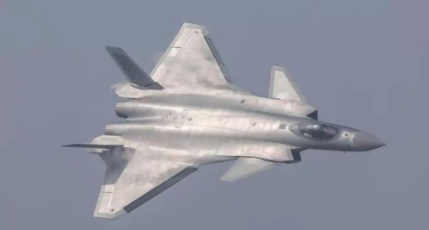 ▲在中国珠海航展上展出的歼-20战机(路透社)