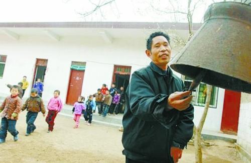 杜广云想为教室装上空调 资料图