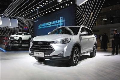 江淮汽车产品布局明显向SUV车型倾斜,当SUV市场竞争加剧时,江淮汽车的销量和利润皆大幅下滑。图/资料图片