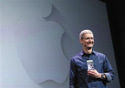 苹果掌门库克2016年发布苹果新品。图片来源:视觉中国