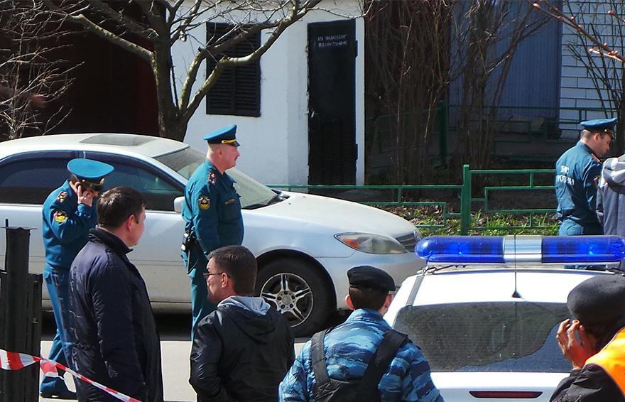 俄警方疏散人群。