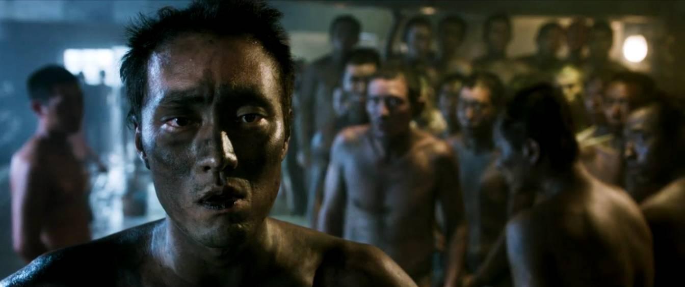 《敦刻尔克》+《战狼2》+《二十二》,就是这部韩国主旋律大片