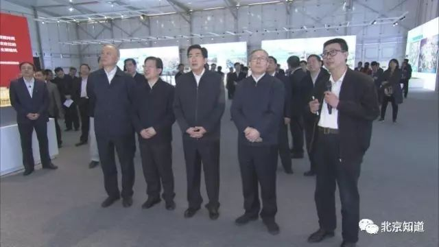 图为今年4月,天津市委书记李鸿忠带队学习北京城市副中心规划经验。