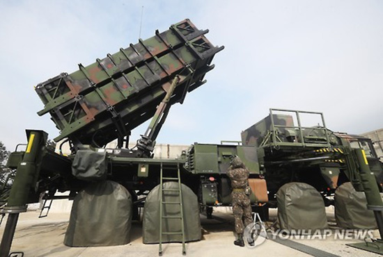 """韩国空军""""爱国者""""导弹发射车"""