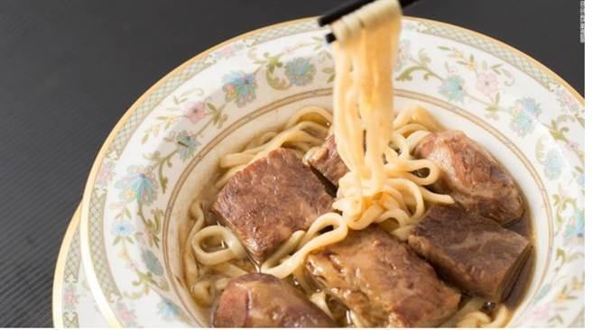 台湾最贵牛肉面要价一万新台币 客流仍不断