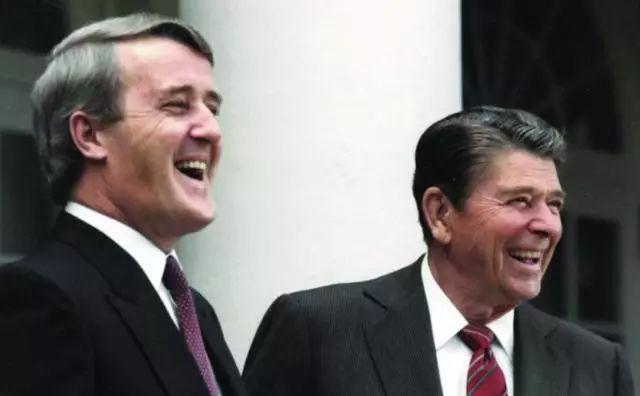 ▲同为爱尔兰后裔的美国时任总统里根和加拿大总理马尔罗尼