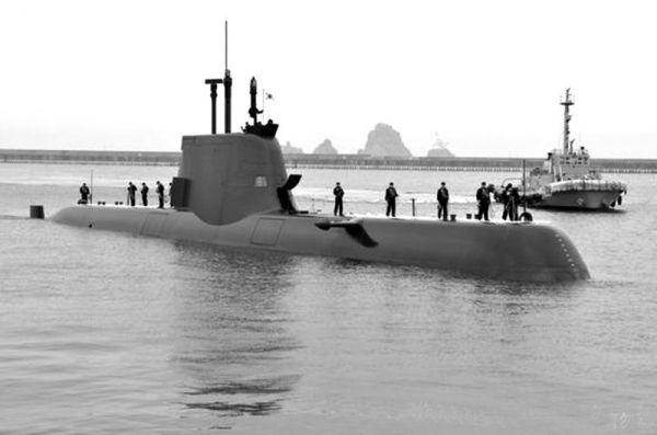 图为韩海军214型常规潜艇
