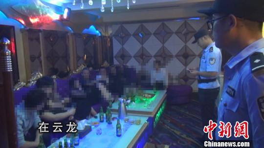 徐州警方开展打黑除恶围猎2号集中行动。警方供图