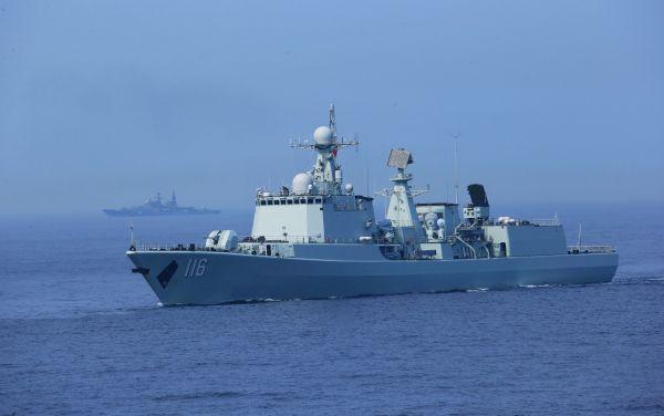 材料图片:中国水师导弹驱赶舰石家庄舰 新华社记者 查春明摄