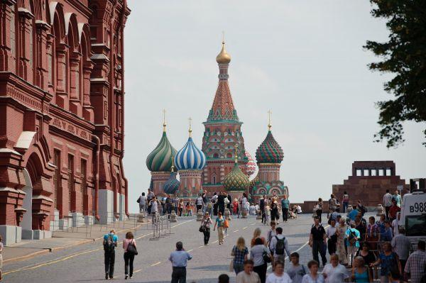 材料图片:莫斯科克里姆林宫与红场 新华社记者姜克红摄