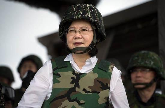 """蔡英文自嗨式喊话台军""""扞卫和平""""被讽:说得好听"""