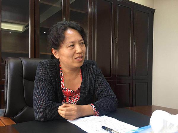 9月14日下战书,内蒙古自治区鄂尔多斯市副市长石艳杰接受汹涌新闻专访。 汹涌新闻记者 刁凡超 图