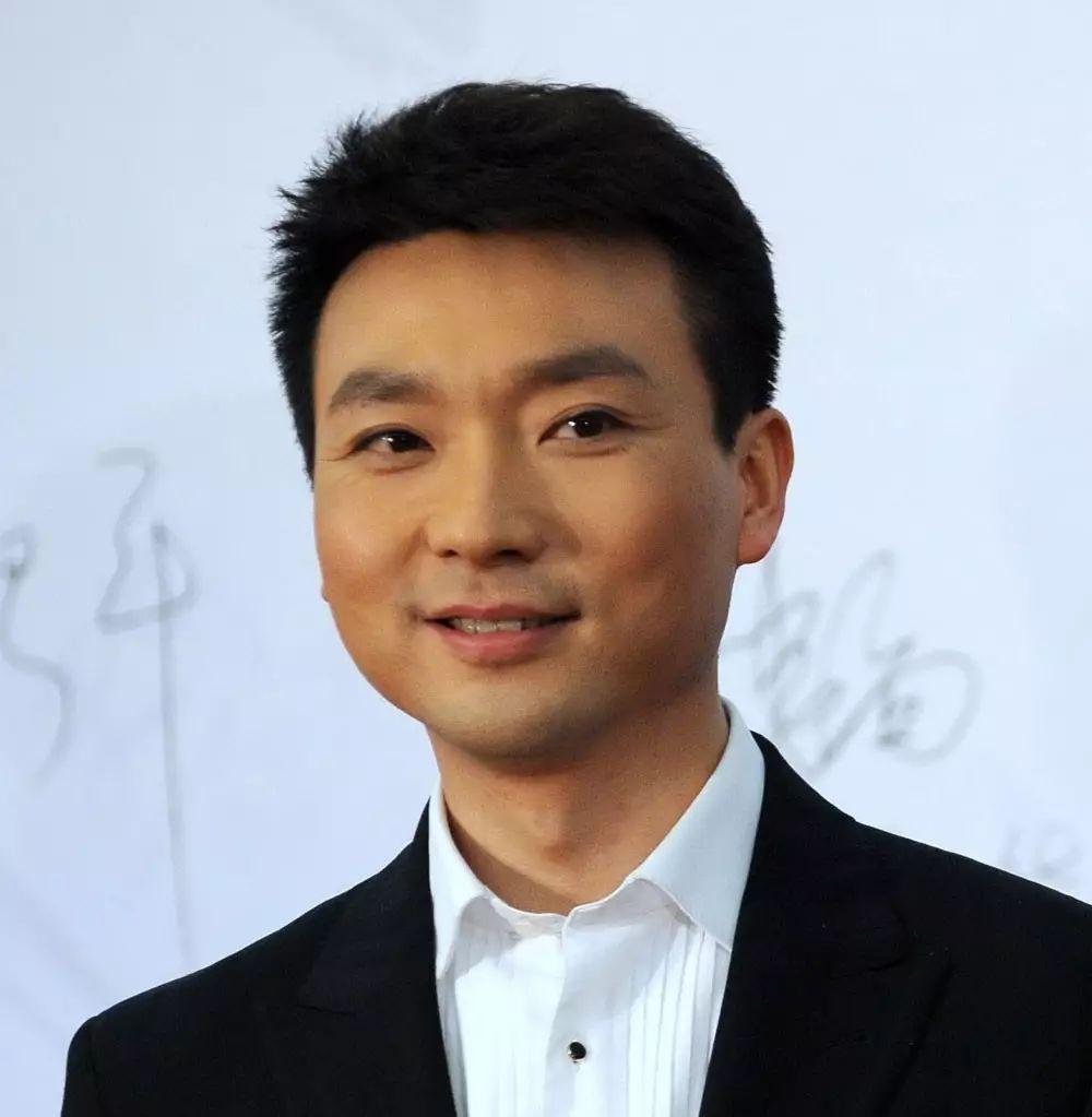 新闻中心_康辉,中央电视台主持人,《新闻联播》主播,新闻中心新闻播音部主任