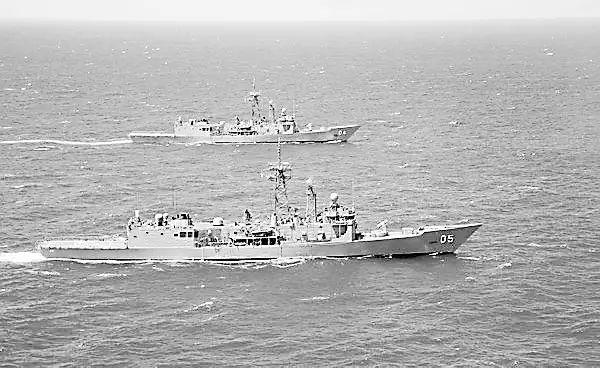 参加印太军演的两艘澳大利亚军舰。