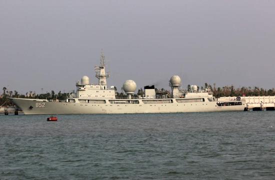 """资料图:中国水师852""""海王星""""号电子侦探船。"""