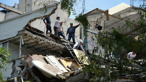 墨西哥发生7.1级地震 当天为1985年大地震纪念日