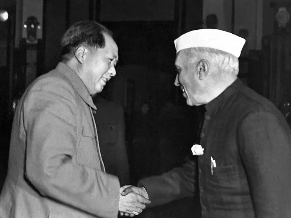 ▲资料图片:毛主席与印度总理尼赫鲁私情深挚,他曾先后四次会见尼赫鲁。(法新社)