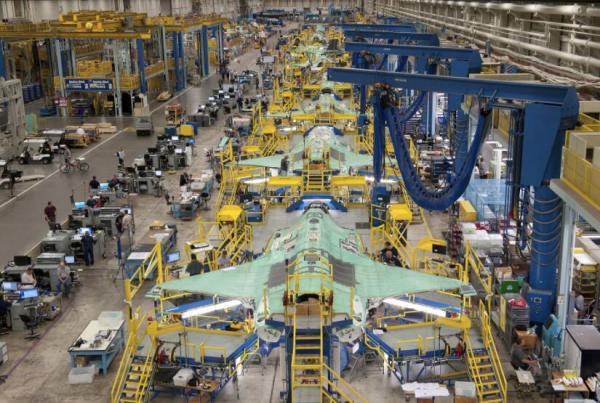 f-35战斗机生产线,目前该机生产速率已经达到每年近百架水平