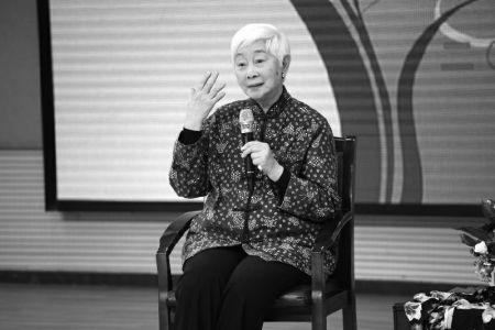 90岁卢燕:表演是让人享受的事情