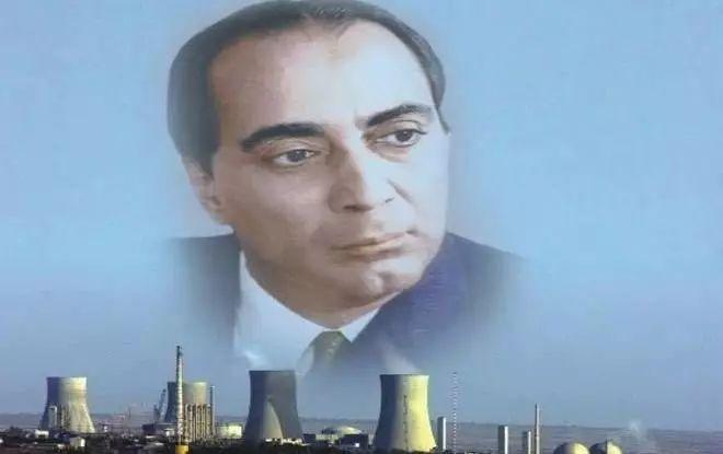 ▲霍米·贾汗季·巴巴被后世誉为印度核武器之父,他声称印度只要18个月就能够造出核武器。下图为印度网友合成图。