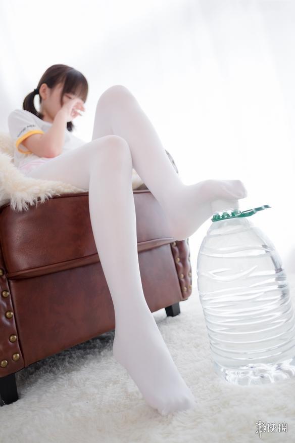 丝袜萝莉做爱_每日福利送不停 白丝萝莉的若隐若现更有诱惑力哦!