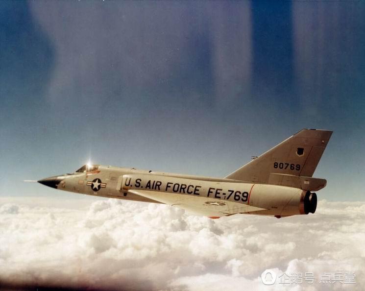 史上最牛战机:飞行员跳伞后飞机自动降落完好无损