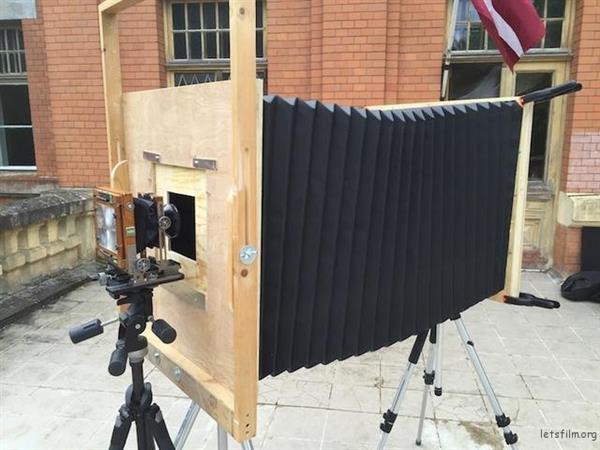 他花了2000元做了一台超大相机 效果逆天