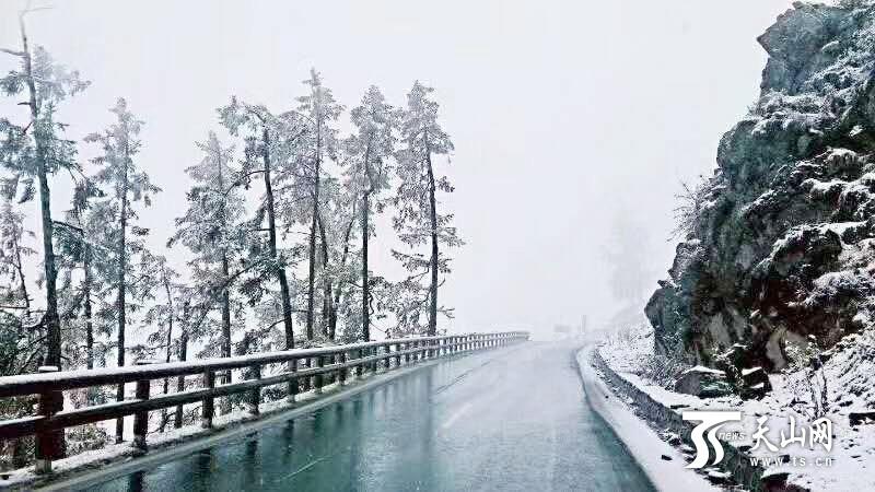 最强寒潮对新疆大部分景区无影响 雪后景色更独特