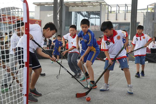 玩家不多、开销不小,冰球如何吸引中国的青少