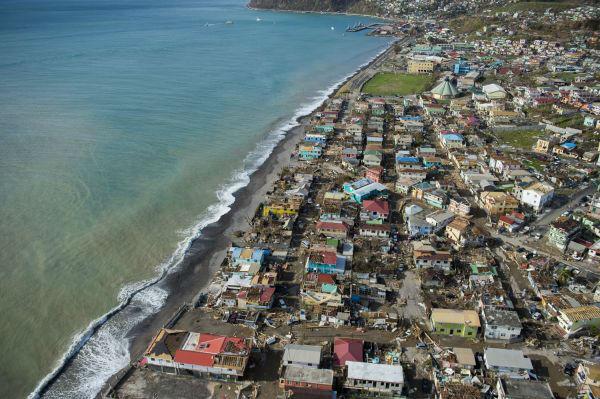 9月21日在多米尼克首都罗索拍摄的飓风过后的景象。新华社