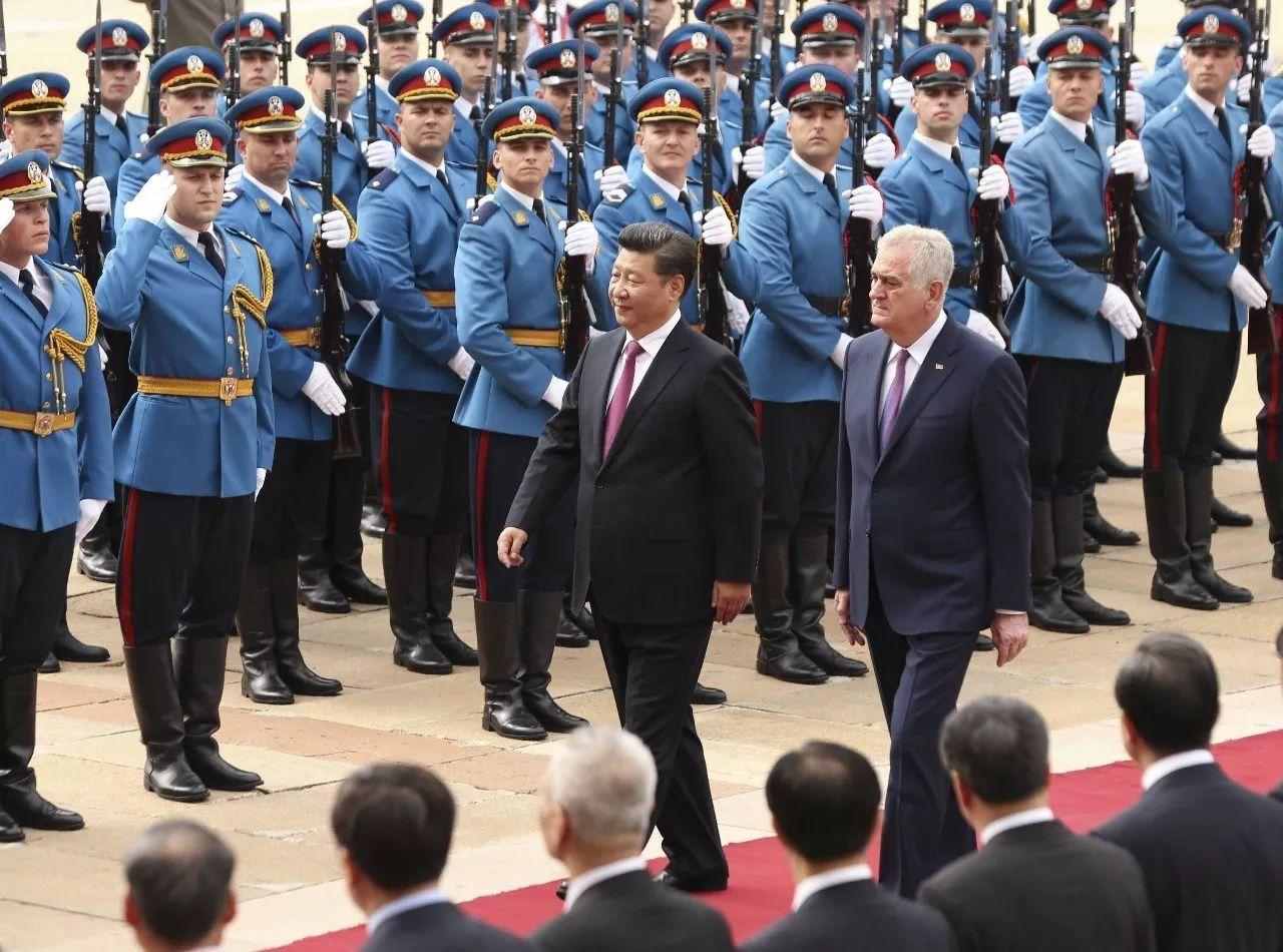 ▲资料图片:2016年6月18日,时任塞尔维亚总统尼科利奇盛大接待到访的中国国家主席习近平。