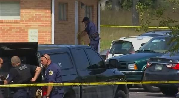 美国一教堂发生枪击事件致一死多伤