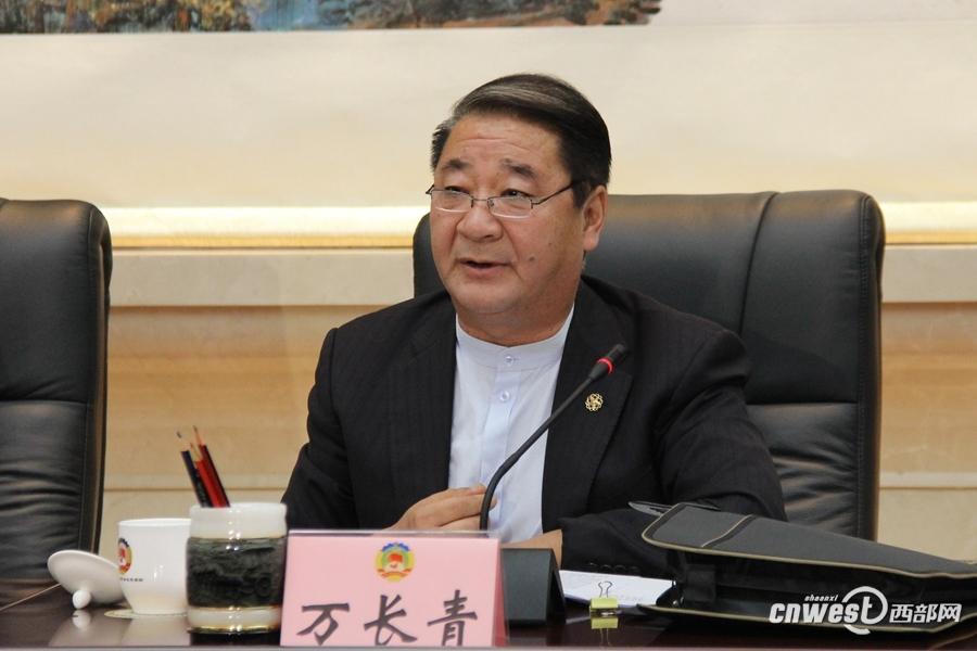 万长青:拓展机电产品进出口渠道 积极参与国际竞争