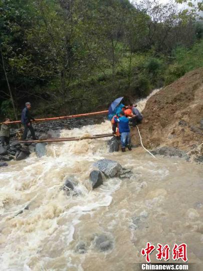 图为陕西平利连降大雨。 平利县官方供图 摄