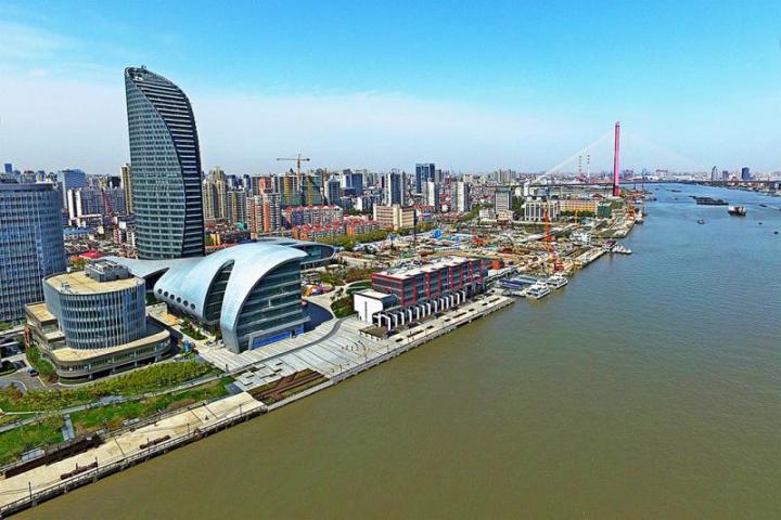 青岛栈桥国庆景点照片