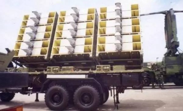 5aSn6IKl5pys5Lq66YCa6L6954Wn54mH_资料图片:在今年的建军节阅兵中首次公开露面的asn-301反辐射无人机