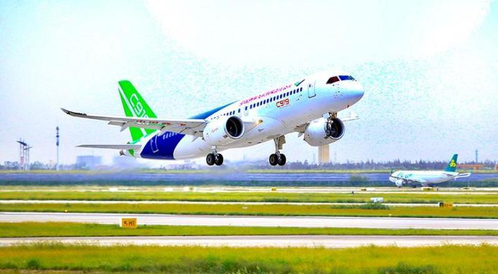 顺利返回浦东机场!国产大飞机c919再上蓝天,独家大图呈现首次复飞过程