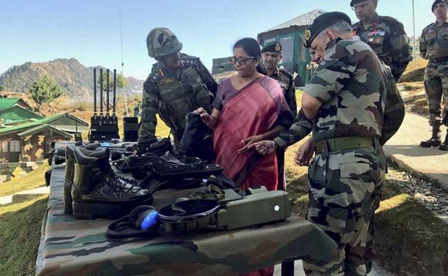 印度新任女防长首赴克什米尔 直奔前线评估局势