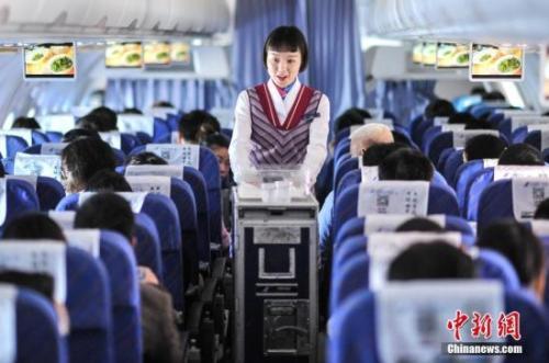 资料图:图为民航班机内 楚洪雨摄