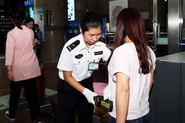 加强行李安全检查