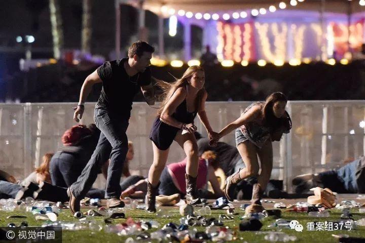 ▲拉斯维加斯枪击案现场。 图片来源视觉中国
