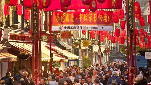 ▲伦敦中国城迎接国庆 (图片来源:伦敦旅游局)